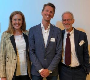 BASIS-psykolog Sjur Dugstad med prosjektets to veiledere Gwenda Willis og David Prescott